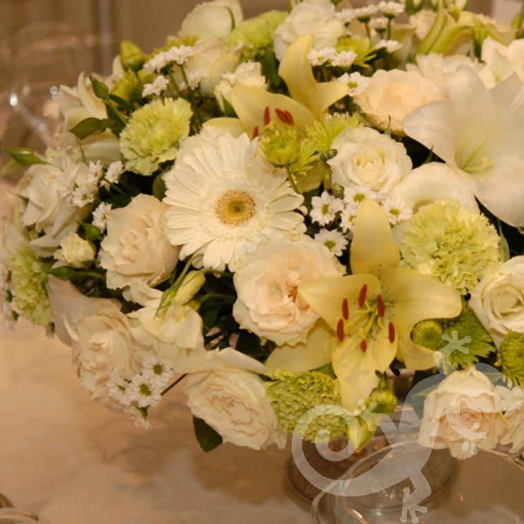 gorgeous centrepieces, designer floral arrangements
