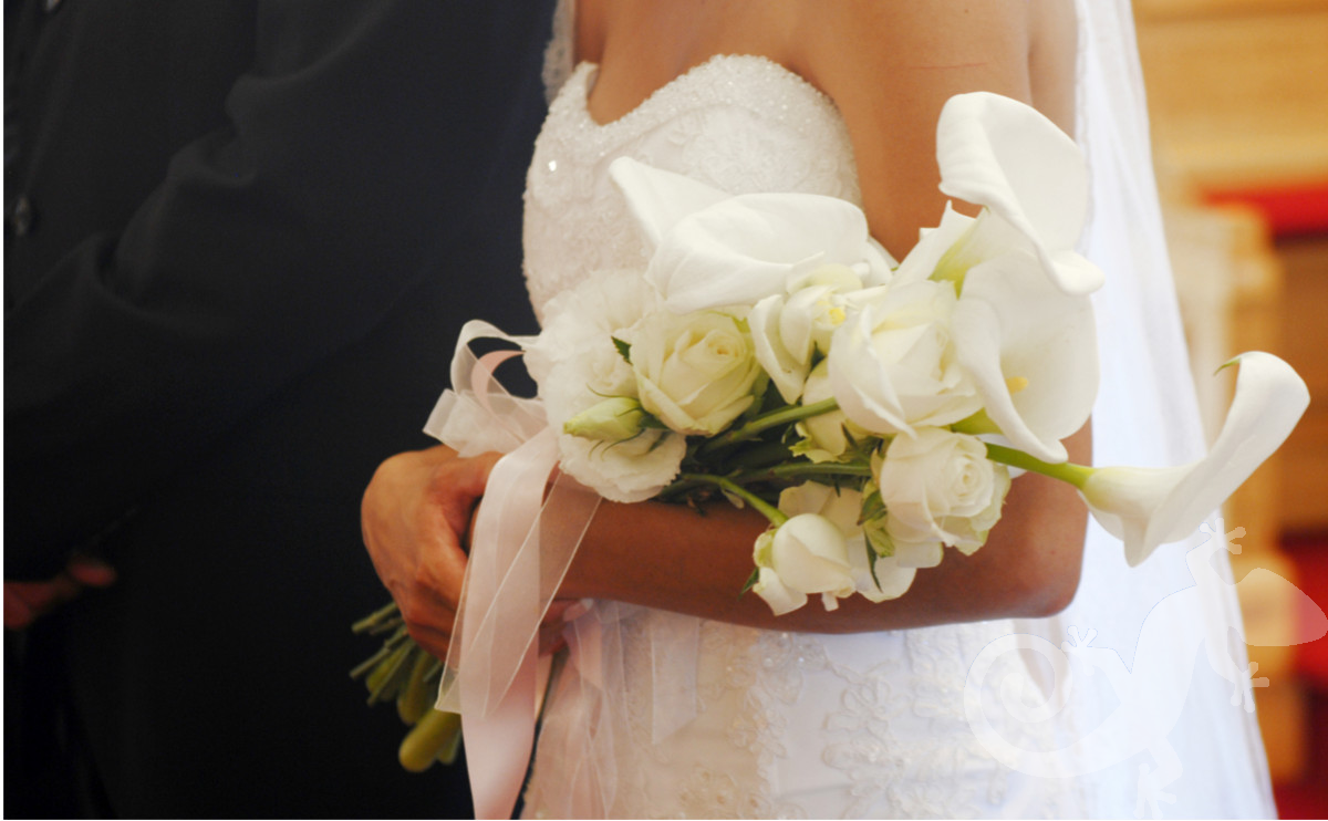 Bride, Can you feel it? bridal bouquet