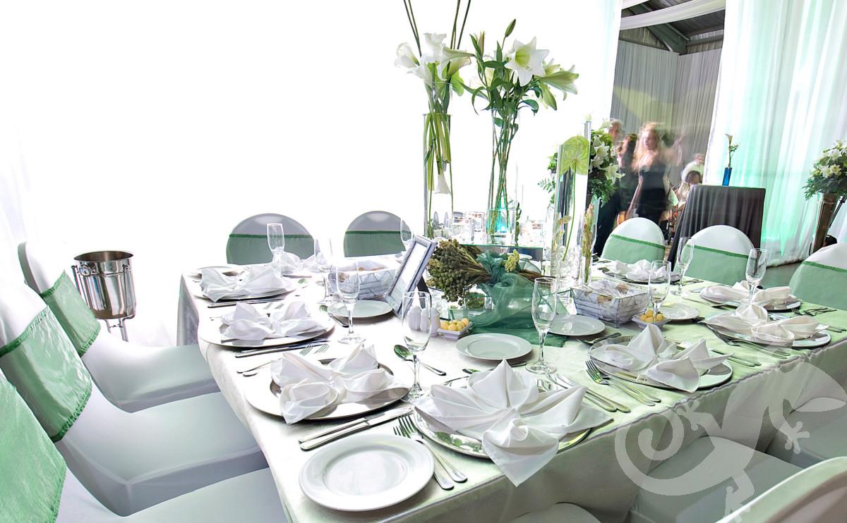 elegant wedding, I do, peppermint chair detail, glass centerpiece
