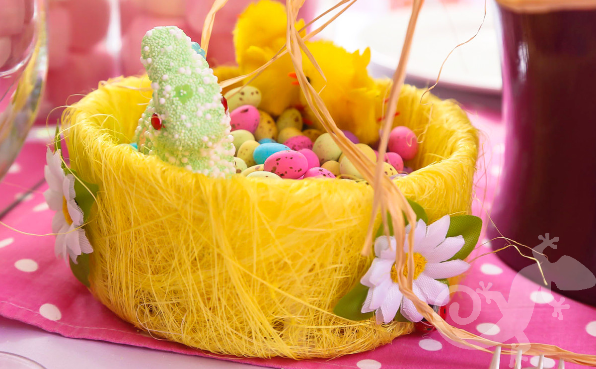 Bunny Kids Party, egg basket, chocolate