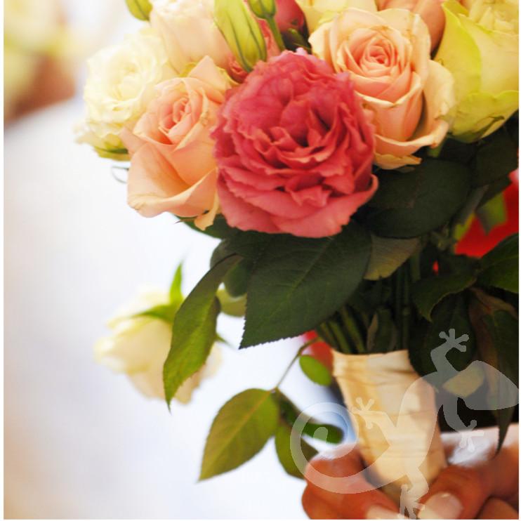 Bride, Can you feel it ? bridal bouquet