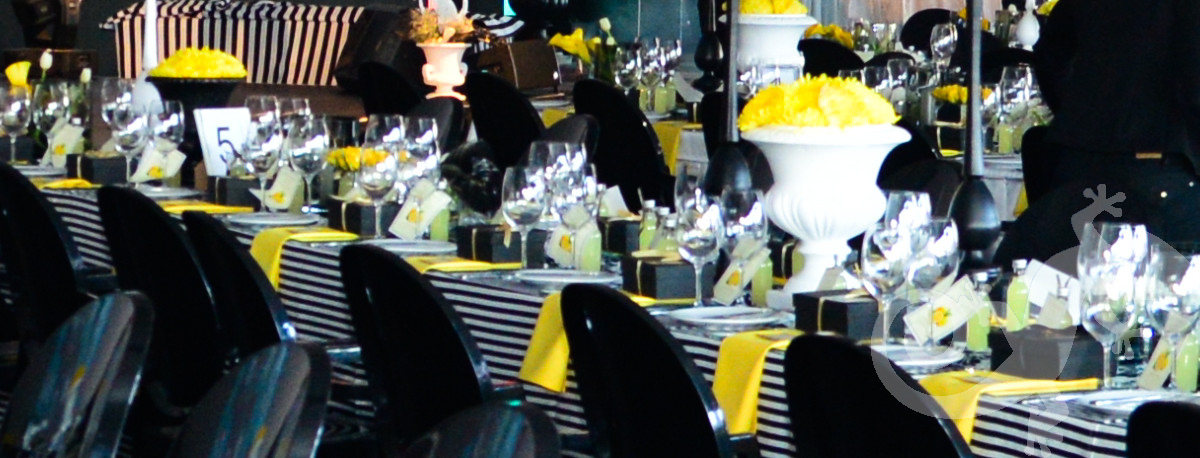 Top Achievers, corporate,  table décor, table setting, yellow and black, stripes