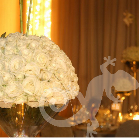 Glimmerring lighting, rose ball, martini vases
