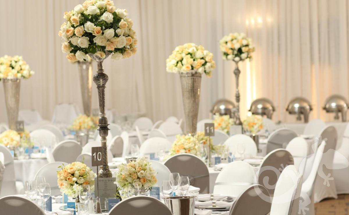 classic elegance, I do, white wedding, roses, style