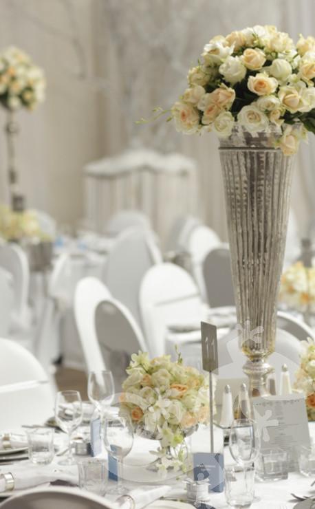classic elegance, I do, white wedding, roses, style, silver vase